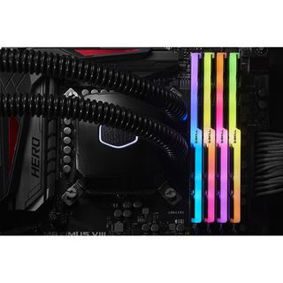 32GB G.Skill Trident Z RGB DDR4-3866 DIMM CL18 Quad Kit